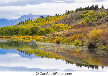 Oxbow Bend Autumn Colors - Autumn dawn at Oxbow Bend on the...