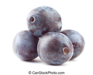 Plum - Beautiful issolated plum on white background
