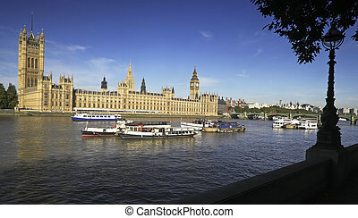 Westminster - Westminter house of parliment and Big Ben on...