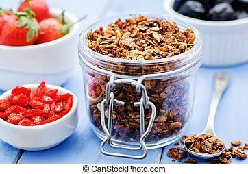 granola, con, nueces, goji, bayas, y, fresas,