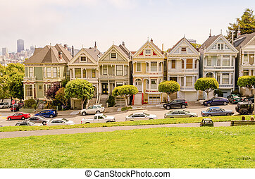 The Painted Ladies at Alamo Square, Famous Victorian Houses...