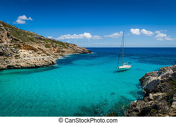 Yacht in dream bay - Sailing yacht stay in dream bay with...