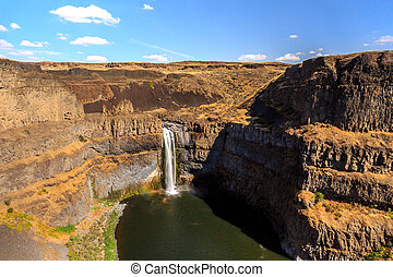 Palouse Falls on Palouse River in Wahsington