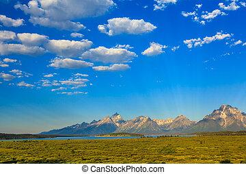 Teton Range on Jackson Lake - Jackson Lake in front of Teton...