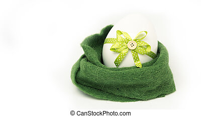 happy easter - green splendor - singel big easter egg in a...