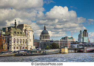 London Thames - View of London across Thames toward Victoria...
