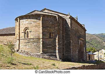 Apse of the Santiago Church in Villafranca del Bierzo. -...