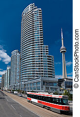 Living in Toronto - This is a view of Toronto\'s modern...