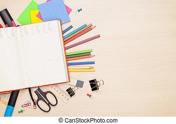 école, bureau, sur, Bloc-notes, vide, fournitures