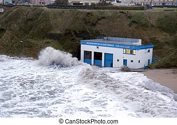 storm at Ballybunion sea and cliff rescue centre -...
