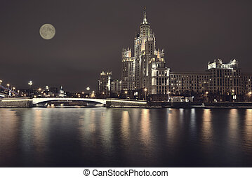 Kotelnicheskaya Embankment of the Moscow River, Moscow. -...