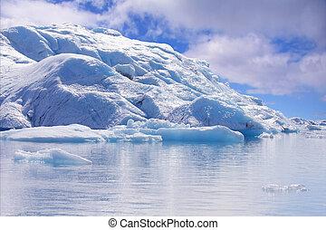 Iceberg, Jokulsarlon lagoon, Iceland