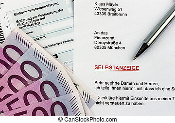 voluntary disclosure to the tax office - symbolic photo for...