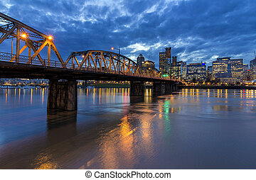Bridge to Portland Downtown - Hawthorne Bridge Over...