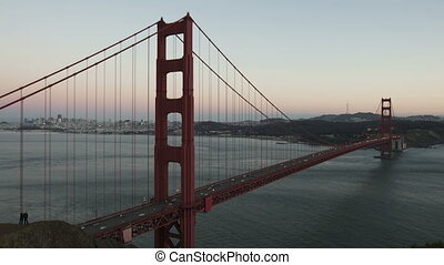 Time lapse zoom Golden Gate Bridge - Time lapse zoom in...