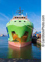 tug boat in rotterdam harbor - Fairmount glacier tug in the...