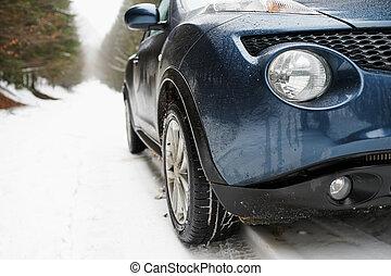 雪が多い, 自動車, の上, ライト, 終わり, 道