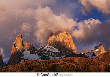 Fitz Roy - Mount Fitz Roy in Los Glaciares National Park,...