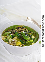 Green minestrone with vegetables