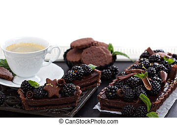 Chocolate blackberry tart with coffee - Chocolate blackberry...