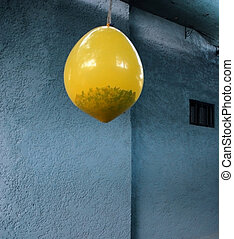 Pinata balloon for a birthday party - Pinata Hanging yellow...
