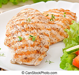 Grilled chicken filet and vegetables