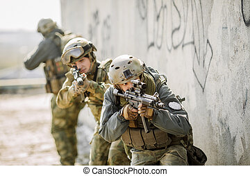 Soldiers stormed the building captured enemy - Rangers...