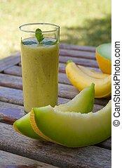 Banana-melon smoothie