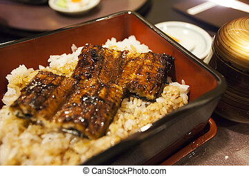 Grilled eel rice in bowl