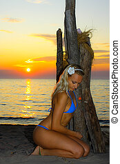 driftwood sunset model - wood sunset posing