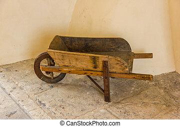 antigas, carrinho de mão,
