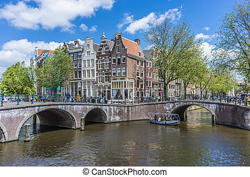 Keizersgracht canal in Amsterdam, Netherlands. - AMSTERDAM,...