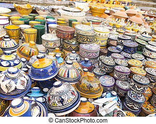 Maghreb ceramic  - Moroccan ceramic sale in outdoor market