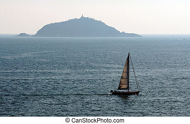 Tino island and boat