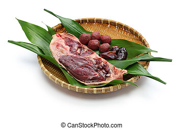 wild mallard duck raw meat on bambo - wild mallard duck hot...