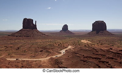 Time lapse Monument Valley - Time lapse tourist entering...