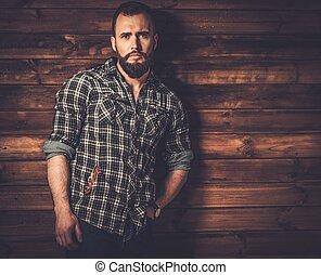 guapo, hombre, Llevando, A cuadros, camisa, en, de madera,...