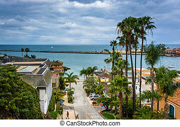 View of Fernleaf Avenue in Corona del Mar, California.