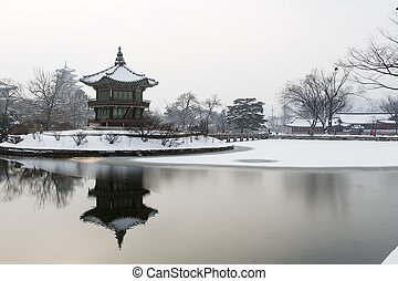 beautiful gyeongbok palace in soul, south korea - under...
