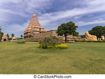 Partial overview of Gangaikunda Temple - KUMBAKONAM, INDIA -...