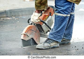 construção, trabalhador, com, cut-off,...