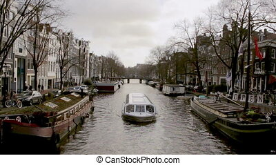 Amsterdam - 040 - Prinsengracht - View on one of the Unesco...