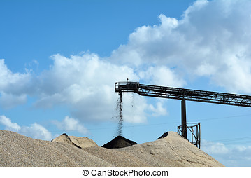 sand and gravel - quarrying of sand and gravel in a gravel...