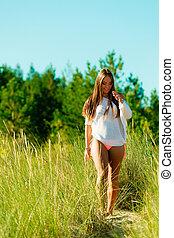 nő, gyalogló, képben látható,...