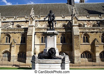 Oliver Cromwell statue, Westminster - The statue of Oliver...