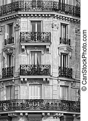 Traditional Facade in Paris Black and White - Traditional...