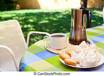 Interrupción, Cerdeña, café