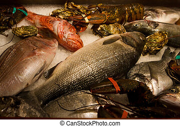 seafood - raw fish and cancers refrigerate on ice