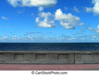 Promenade wall