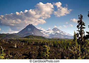 Mckenzie Pass Three Sisters Cascade Mountain Range Lava...